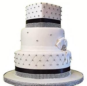 My first wedding cake - Cake by Hannah Thomas