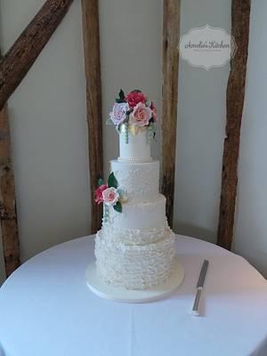Megan's wedding cake - Cake by Helen Ward