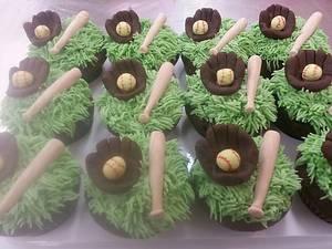 Softball cupcakes - Cake by SugarItUp
