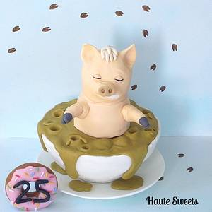 Plopper the Spider Pig in Cup  - Cake by Hiromi Greer