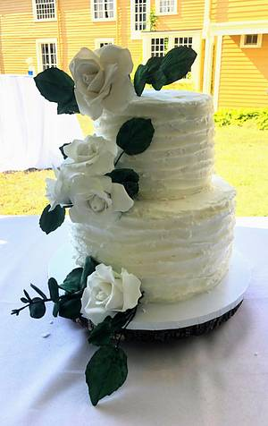 Rustic wedding cake with sugar roses - Cake by Coffelover