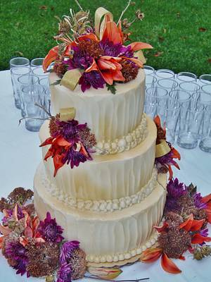 Autumn Buttercream golden cake - Cake by Nancys Fancys Cakes & Catering (Nancy Goolsby)