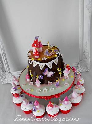Baby's 1st enchanted forest birthday cake - Cake by Dee