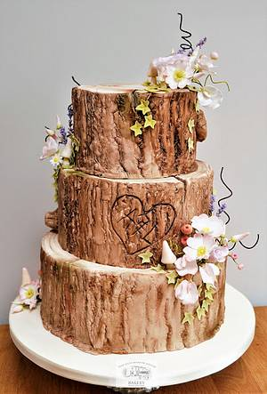 Woodland Wonder - Cake by The Old Manor House Bakery - Lisa Kirk