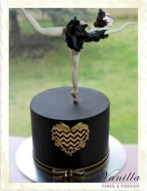 Black Swan - Cake by Vanilla Studio