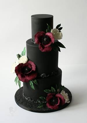Black Beauty - Cake by Antonia Lazarova