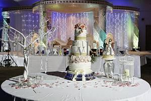 Vintage romance - Cake by Flourbowl Cakes