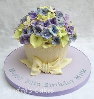 Giant 'hydrangea' Cupcake - Cake by Sandra's cakes