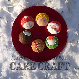 Christmas Cupcakes - Cake by Janette MacPherson Cake Craft