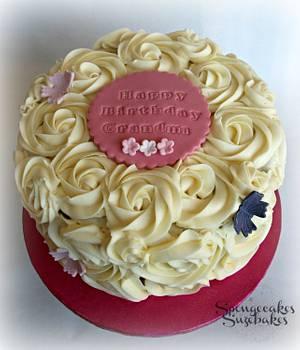 Beautiful Buttercream Rose Cake - Cake by Spongecakes Suzebakes