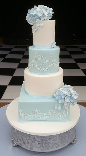 Blue hydrangea and lace cake - Cake by BellissimoCakes