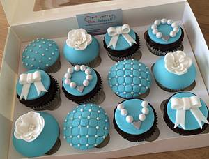 Pretty Tiffany style cupcakes - Cake by Dee...licious!! Cakes and cupcakes for all occasions