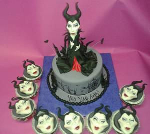 Maleficent - Cake by Martina Bikovska