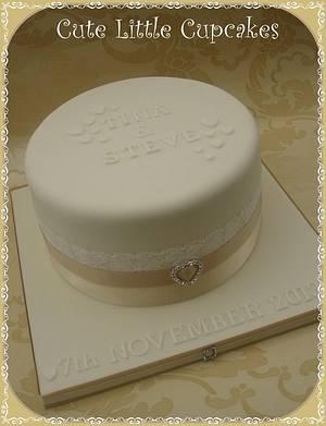 Single Tier Wedding Cake - Cake by Heidi Stone