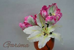 Blooming flowers in my glass - Cake by Garima rawat