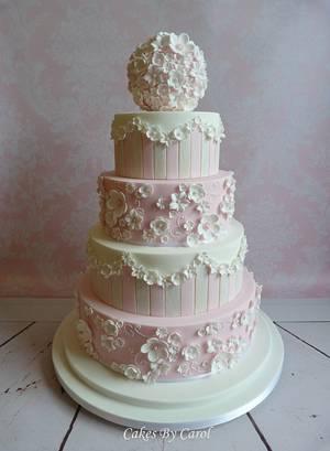 Gold Award - Cake International London 2015 - Cake by Carol