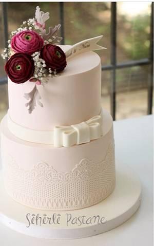 Burgundy Ranunculus Cake - Cake by Sihirli Pastane