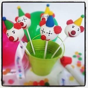 Clown cake pops - Cake by Creative Cakepops