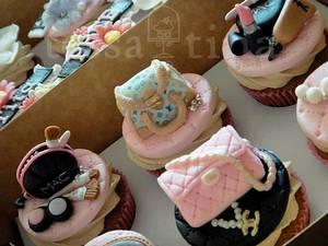 Girly - Cake by tessatinacakes