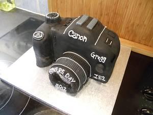 canon camera cake - Cake by Enchanting Cupcakes hobby cakes