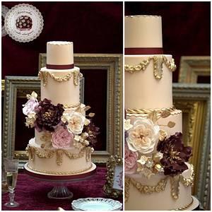Baroque Love Wedding cake by Mericakes - Cake by Mericakes