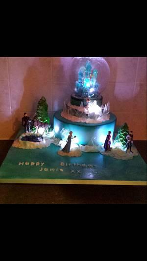 My first frozen cake xx - Cake by My Darlin Cakes
