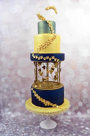 Gold Vines Cake - Cake by blogplanetegateau