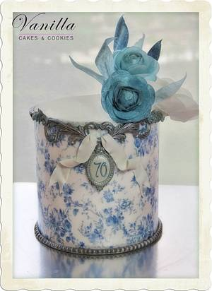 Blue & Silver - Cake by Vanilla Studio