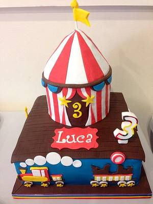 The Circus is Coming to Town - Cake by Mimi's Sweet Treats