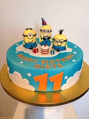Minion cake - Cake by teresascakes