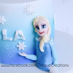 Frozen  - Cake by Znique Creations