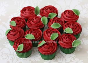 Red Rose Buttercream Cupcakes - Cake by Cupcakes by Amanda