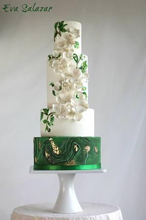 White and Green Malaquita Wedding Cake - Cake by Eva Salazar