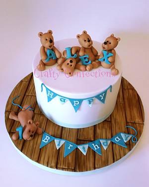 Teddies 1st birthday cake - Cake by Craftyconfections