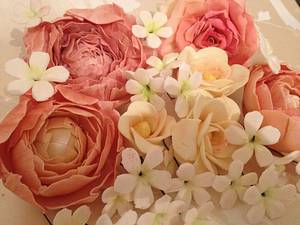 Spring sugar flowers - Cake by The sugar cloud cakery