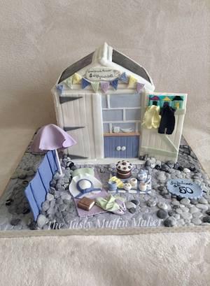 British sea side beach hut  - Cake by Andrea