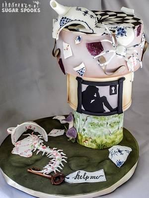 Alice Stuck in Wonderland - Cake by Hiromi Greer