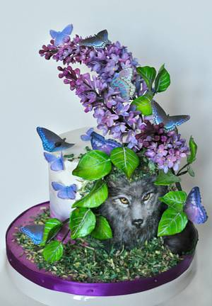 A Wolf in the Garden - World Lupus Day Collaboration - Cake by Sandra Smiley