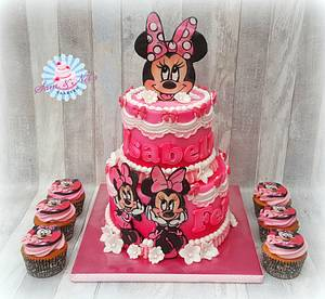 Handpainted Minnie Mouse cake - Cake by Sam & Nel's Taarten
