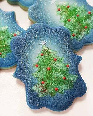 Christmas tree  - Cake by Buttercut_bakery
