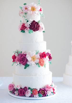 Floral Wedding Cake - Cake by Lulusweetsandcake