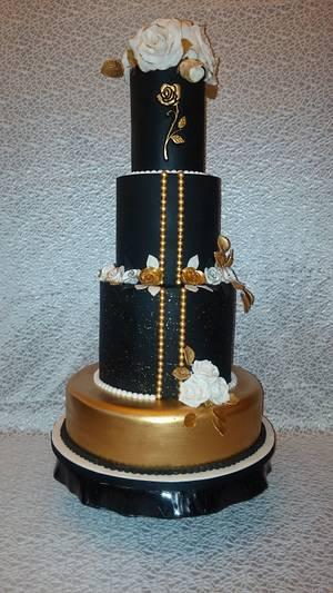 Black & Gold - Cake by Nicky