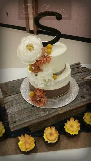 Rustic Burlap wedding cake - Cake by The Cakery
