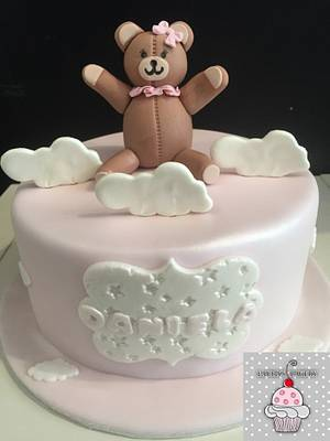 Osita chiste niña cake Daniela - Cake by Laura's Bakery