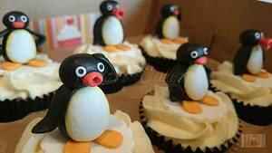 Pingu - Cake by Kokoro Cakes by Kyoko Grussu
