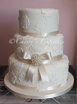 Ivory & Lace Wedding Cake - Cake by Cherry's Cupcakes