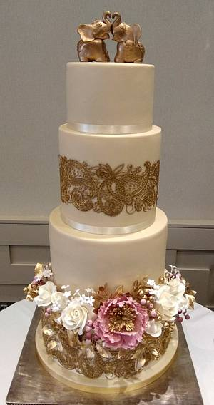 Gold, pink and Henna Wedding - Cake by The Rosehip Bakery