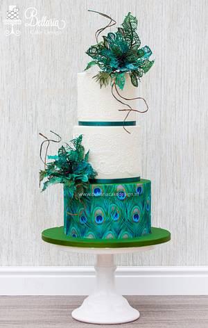 Peacock inspired wedding cake - Cake by Bellaria Cake Design