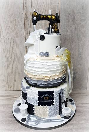 Singer machine sewing cake - Cake by Sam & Nel's Taarten