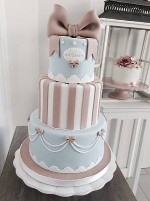 Stripes and bows - Cake by Bella's Bakery